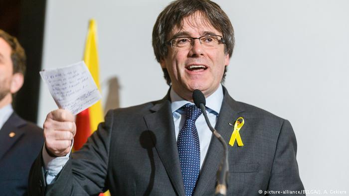 """Puigdemont: proceso independentista catalán """"ha terminado"""""""