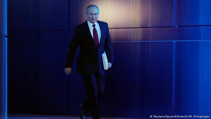 Putin propone prohibir el matrimonio igualitario en la Constitución rusa